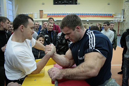 Real-Life Hulk Ukrainian Arm Wrestler Denis Cyplenkov