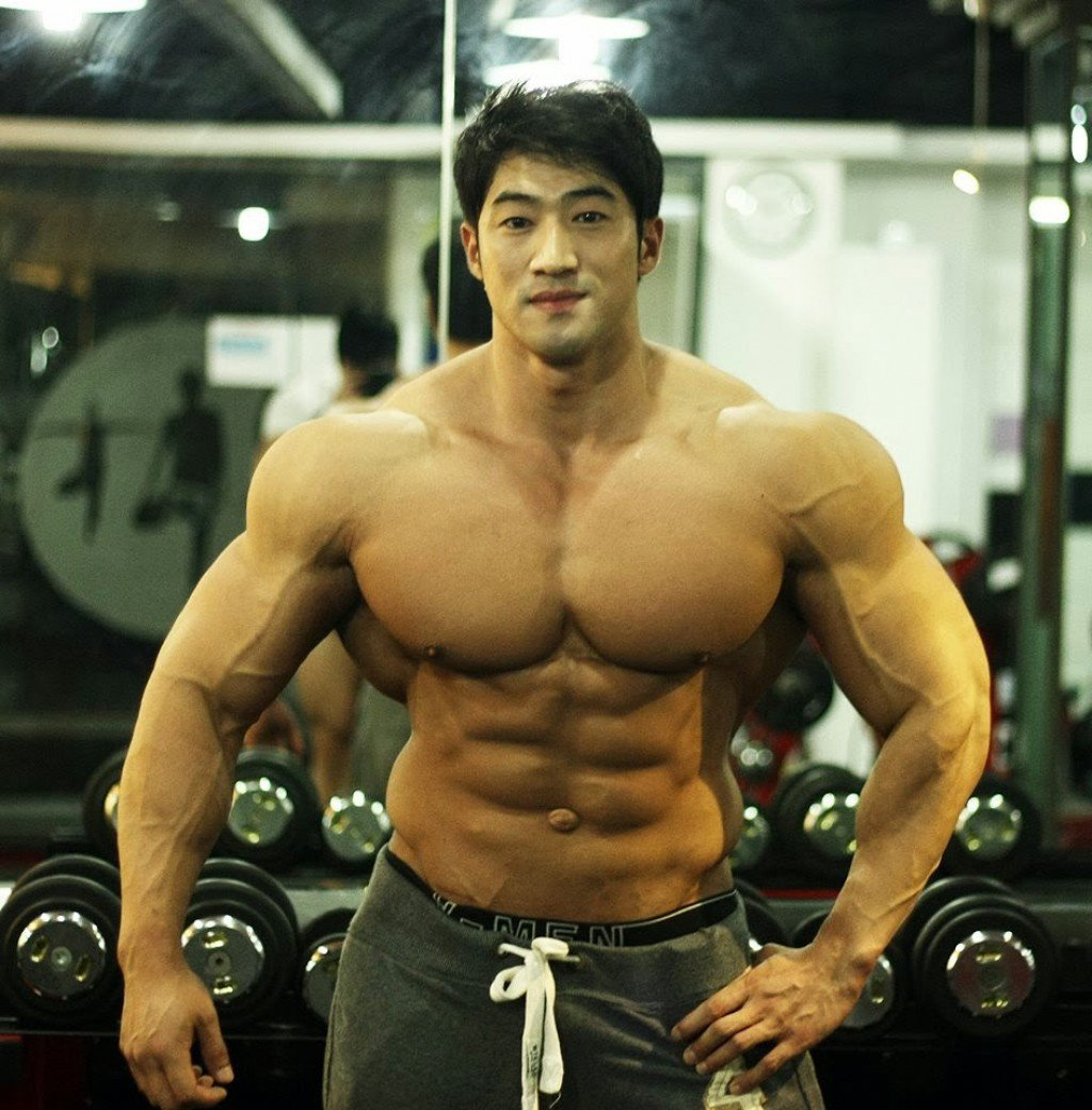 Meet Hwang Chul-soon The 'Asian Arnold Schwarzenegger