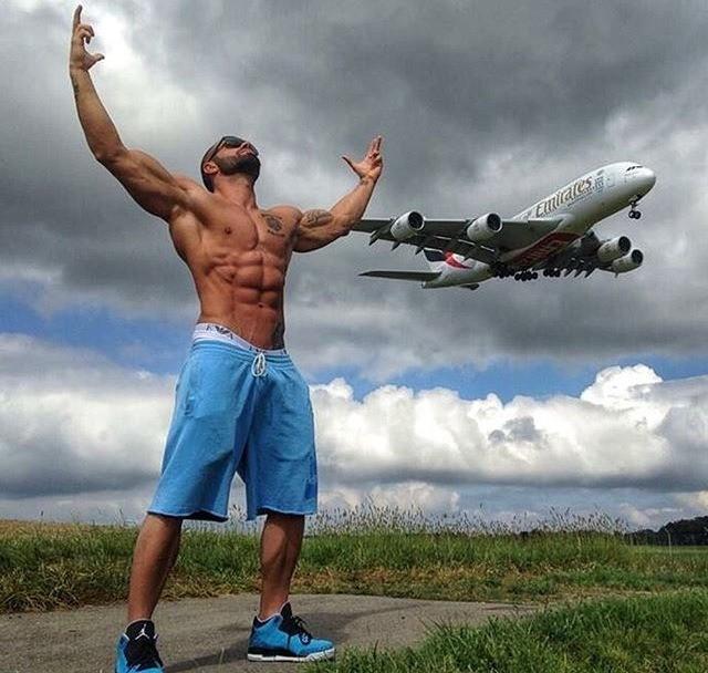 lazar-angelov2
