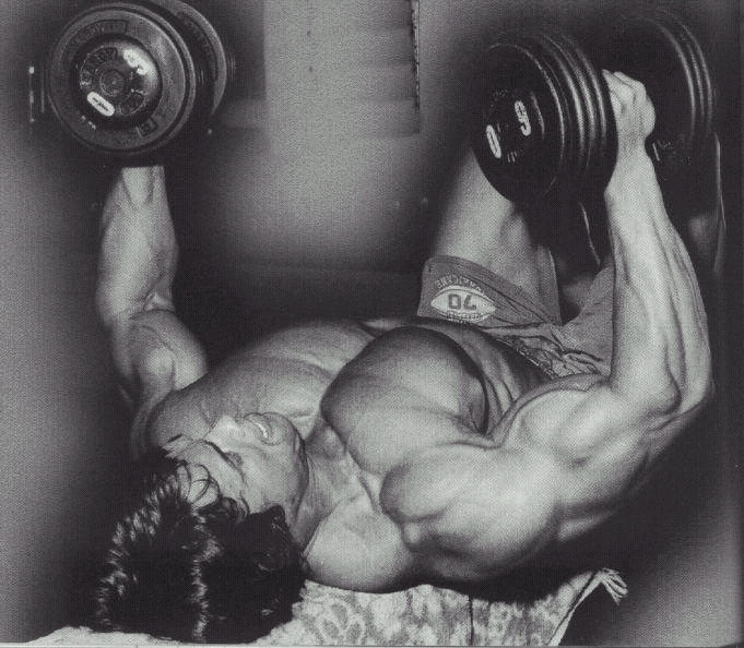 arnold-dumbbell-flyes