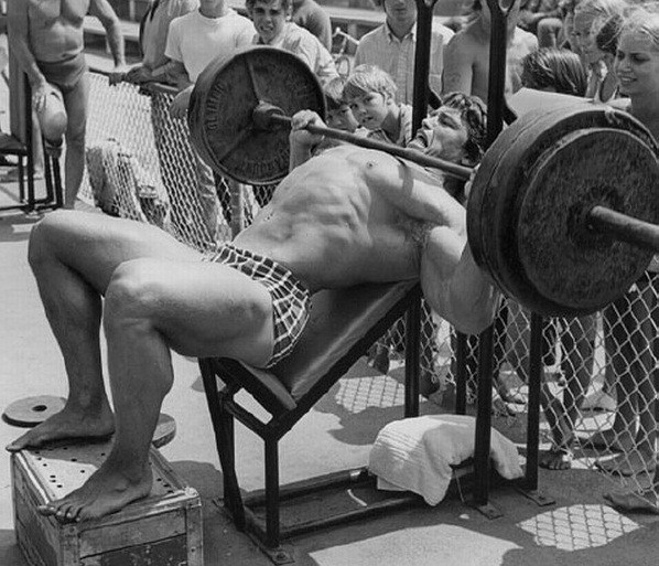 arnold-incline-barbell-presses
