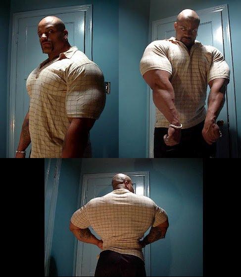 big-bodybuilders-vs-normal-clothes-12