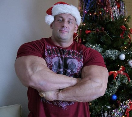 big-bodybuilders-vs-normal-clothes-3
