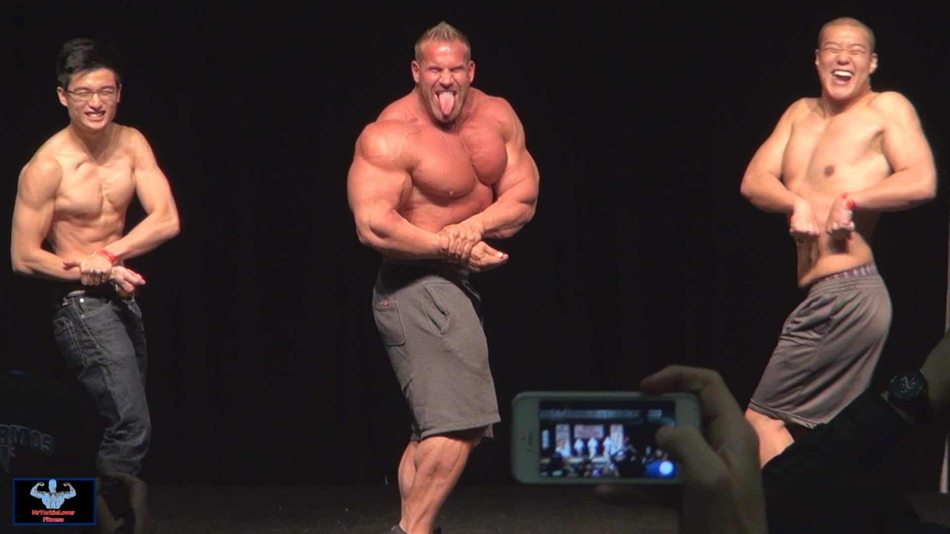 WATCH: Jay Cutler Posing With 2 Gay Fans – Fitness Volt
