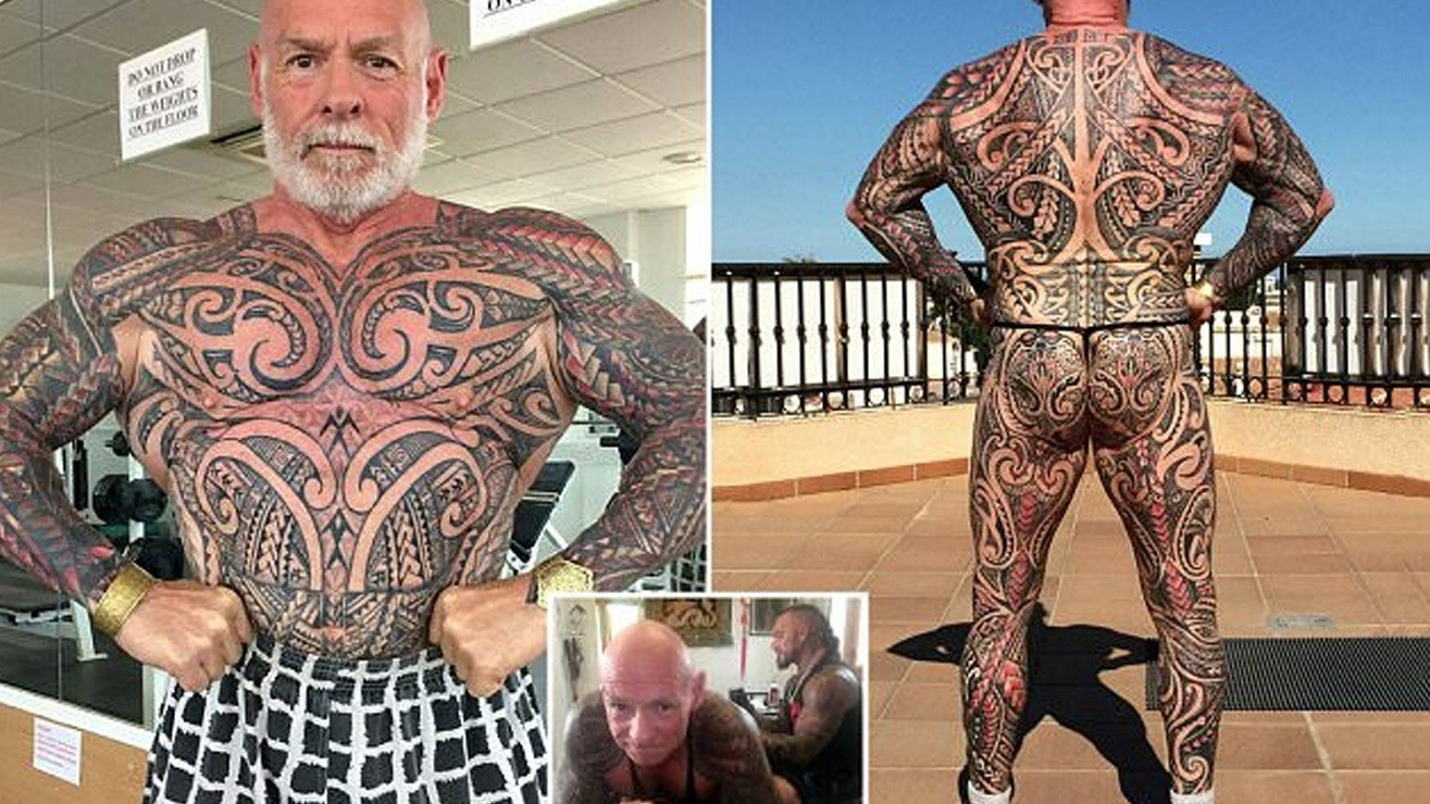 54aa26221 Bodybuilder Ray Houghton, 59, Is Massive And Completely Covered In Tattoos