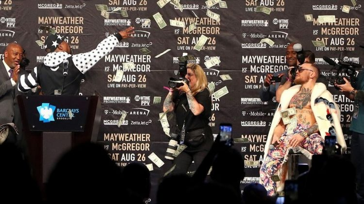 "Floyd Mayweather mocked for ""making it rain"""