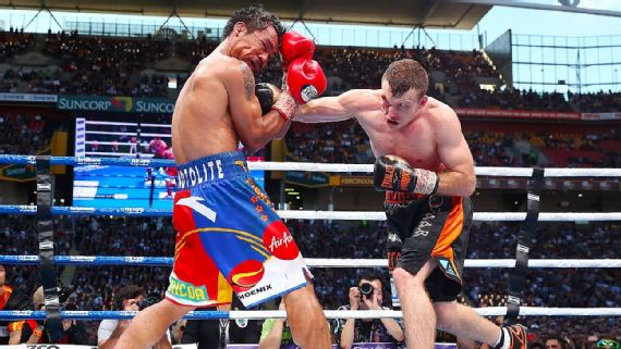 Jeff Horn, right, defeated Manny Pacquiao
