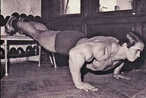 Arnold Doing Pushups