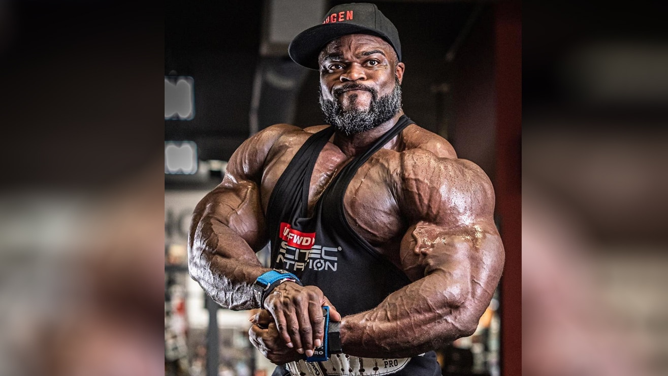 brandon curry has near miss gym accident ahead of 2019 mr