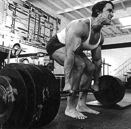 Arnold Deadlifting