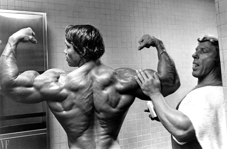 Arnold Schwarzenegger - Amazing back development