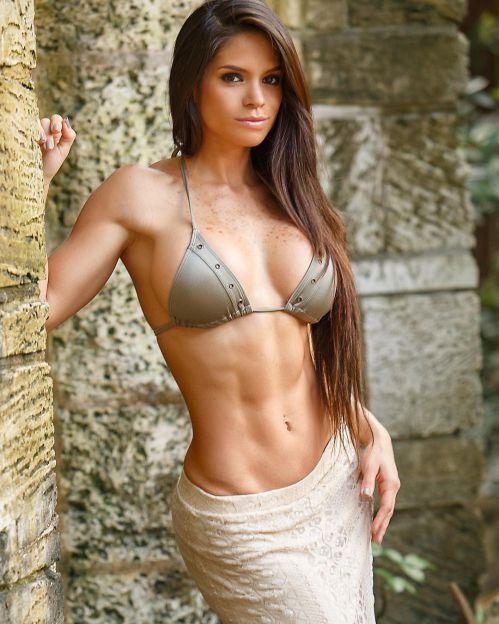 Super Model Michelle Lewin