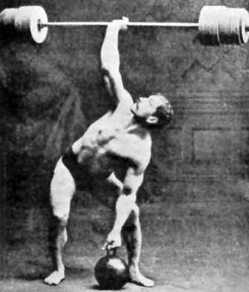 Strongman Arthur Saxon