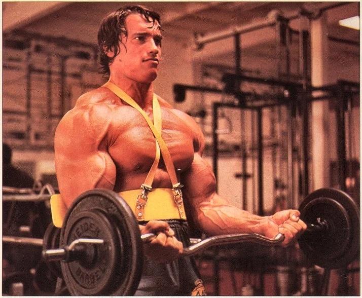 Arnold Schwarzenegger Ez Bar Curls