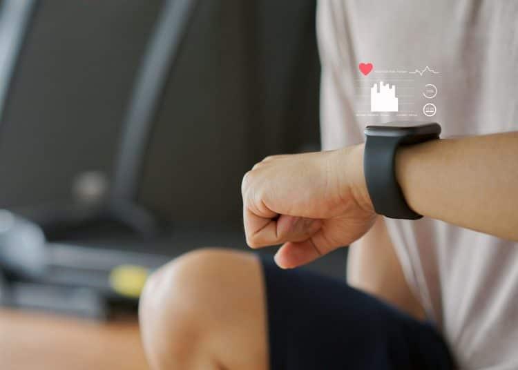 Smart Watch Monitoring Fitness